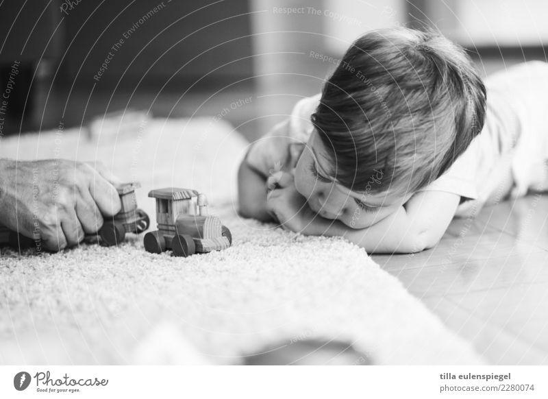 Kinderbespaßung Mensch Mann Hand Erholung Erwachsene Leben Familie & Verwandtschaft Spielen Zusammensein Freundschaft Freizeit & Hobby Zufriedenheit liegen