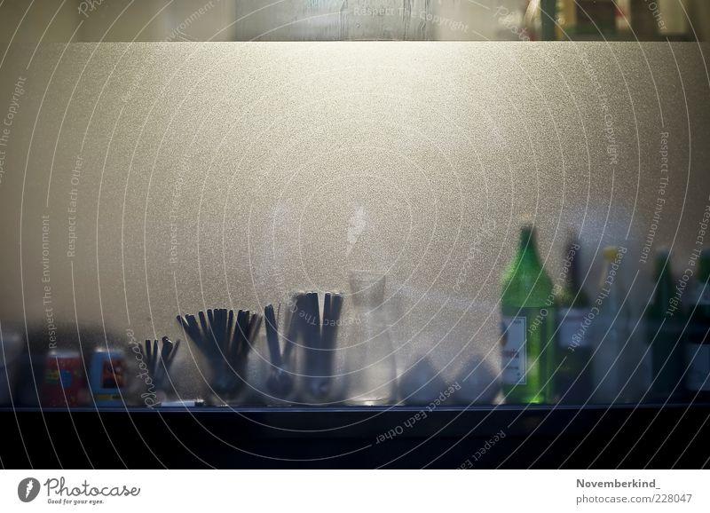 kitchen Glas ruhig Dienstleistungsgewerbe Symmetrie Farbfoto Außenaufnahme Detailaufnahme Menschenleer Textfreiraum oben Abend Kunstlicht Zentralperspektive