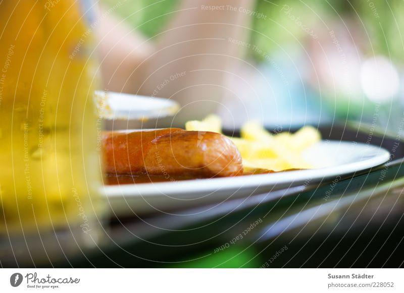 Chinesischer Turm Lebensmittel Fleisch Wurstwaren Ernährung Fastfood Getränk Bier Laster Pommes frites Radler Teller Currywurst Bratwurst Ketchup Tellerrand