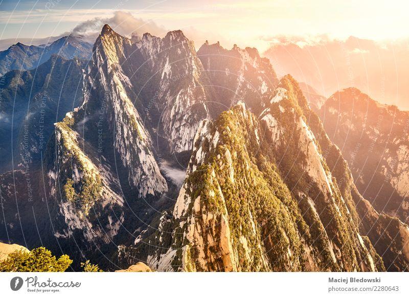 Ansicht von Huashan South Peak China bei Sonnenuntergang. Himmel Natur Ferien & Urlaub & Reisen Landschaft Berge u. Gebirge Tourismus Freiheit Felsen Ausflug
