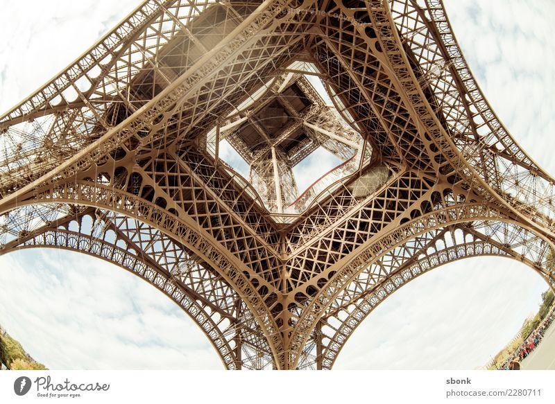 Eiffelturm von unten Ferien & Urlaub & Reisen Stadt Gebäude Sehenswürdigkeit Bauwerk Wahrzeichen Frankreich Stadtzentrum Denkmal Paris Tour d'Eiffel