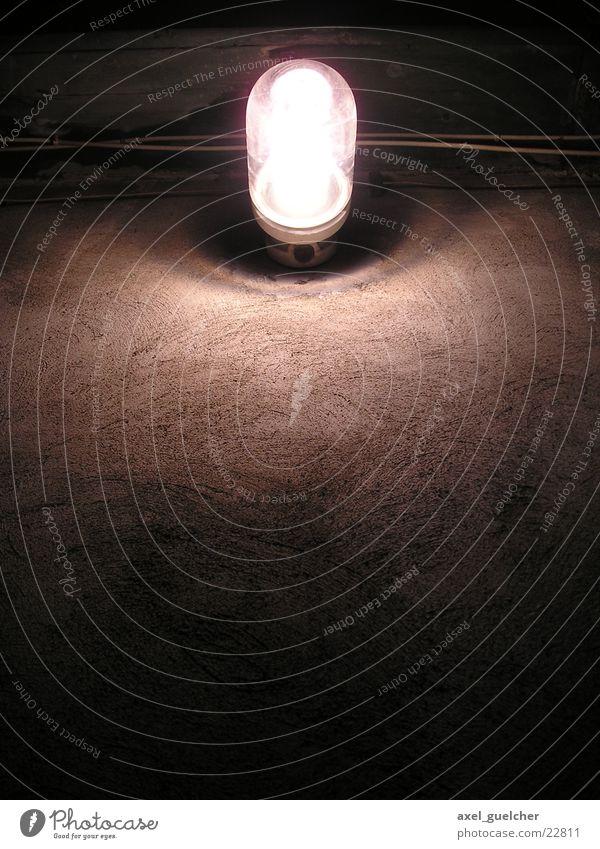 düsteres Licht dunkel Lampe Wand Industrie Beleuchtung