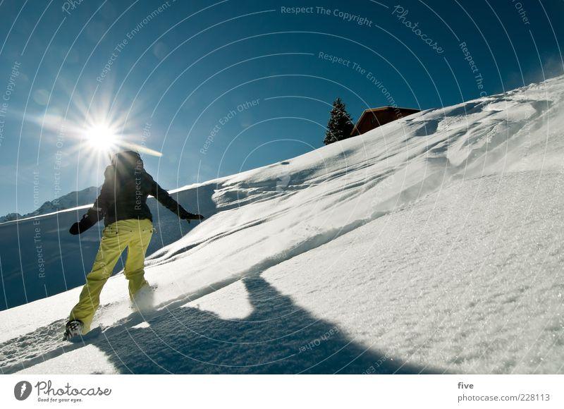 sonnenseite Frau Himmel Natur Sonne Landschaft Freude Winter Berge u. Gebirge Erwachsene gelb Schnee Sport Glück Schönes Wetter Hügel Alpen