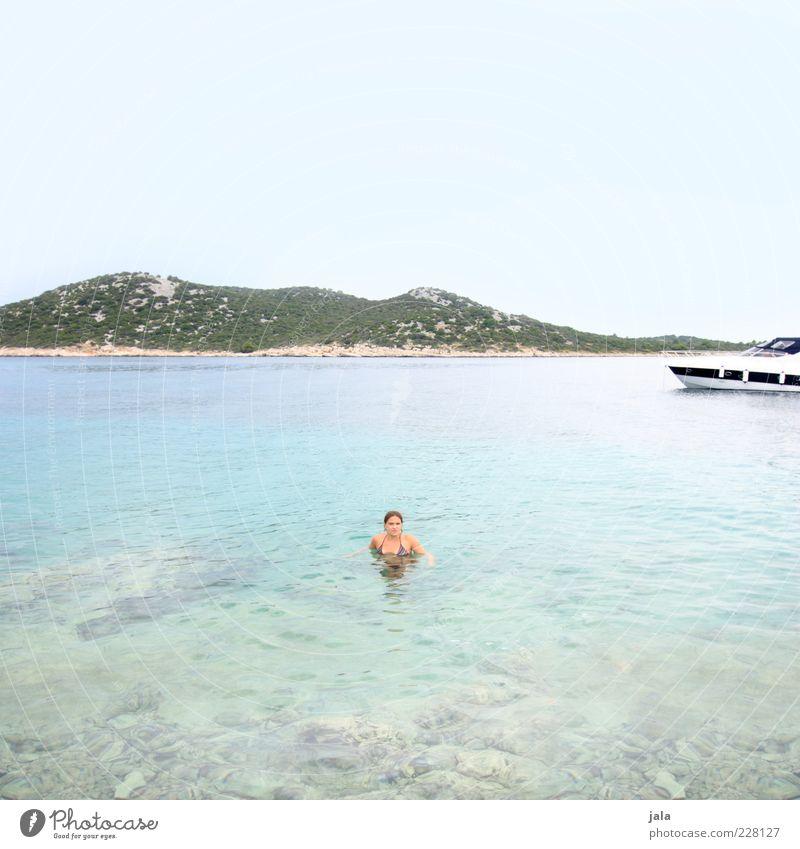 meerjungfrau Mensch Frau Erwachsene 1 30-45 Jahre Natur Landschaft Wasser Himmel Sommer Pflanze Meer Jacht Motorboot Unendlichkeit hell Farbfoto Außenaufnahme