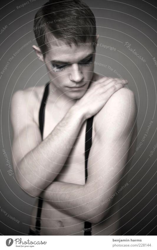 Trägheit #6 Mensch maskulin Junger Mann Jugendliche 1 18-30 Jahre Erwachsene trist Gefühle Traurigkeit Farbfoto Innenaufnahme Kunstlicht Porträt