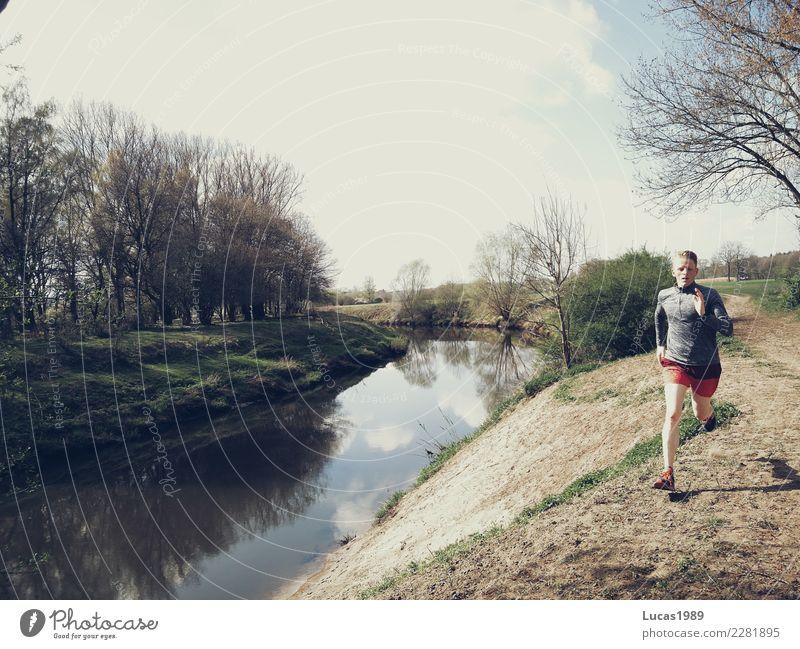 Running Mensch Natur Jugendliche Mann Sommer Junger Mann Sonne Wolken 18-30 Jahre Erwachsene Umwelt Gesundheit Küste Sport Freizeit & Hobby maskulin