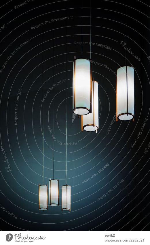 Leuchtstoffröhren Kirche Gebäude Raum Beleuchtungselement Lampe Lampenlicht Röhren Kabel 3 hängen leuchten schaukeln dunkel einfach frei Zusammensein hell lang