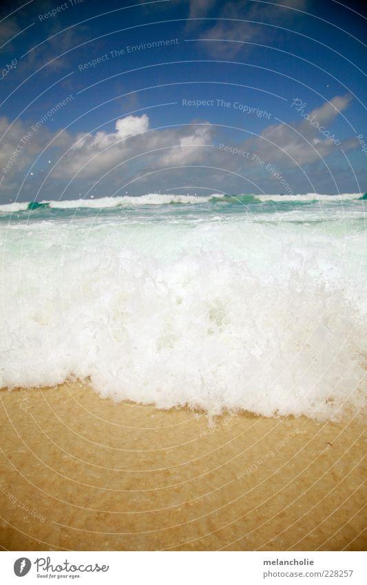 Seychellen Welle Natur Wasser Ferien & Urlaub & Reisen Sommer Meer Strand Wolken Erholung Landschaft Sand Zufriedenheit Wellen frei Tourismus Wohlgefühl exotisch