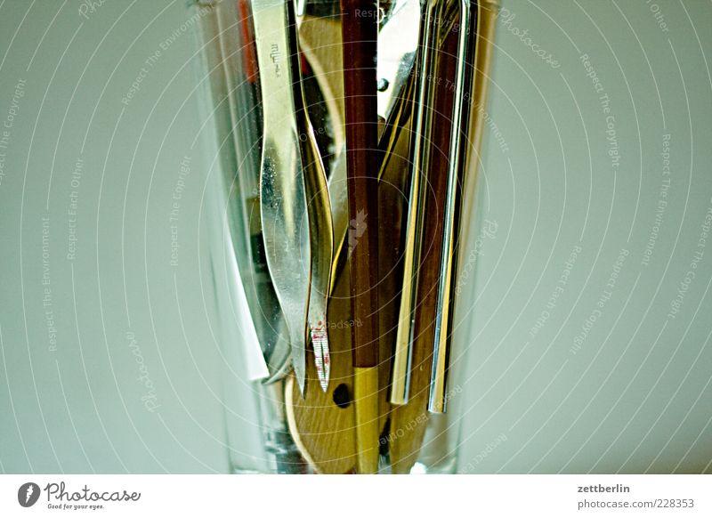 Überlebensset Glas Freizeit & Hobby Kitsch Schreibtisch Werkzeug Pinsel Schere Krimskrams Detailaufnahme
