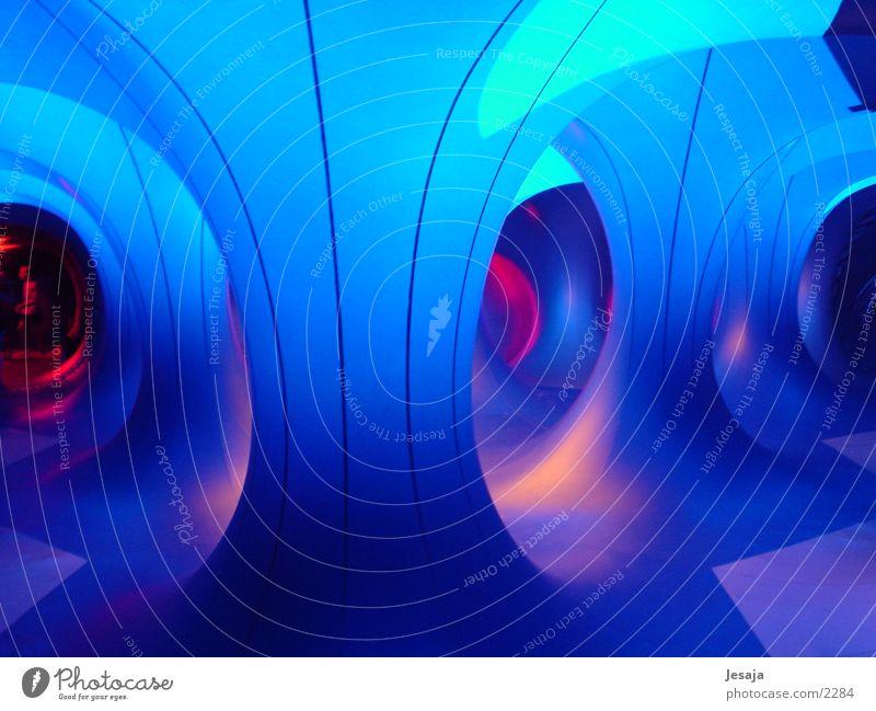 Luminarium blau Farbe träumen Luft Architektur modern Zukunft Rausch UFO Gang Außerirdischer Gummi Futurismus Raumfahrzeuge