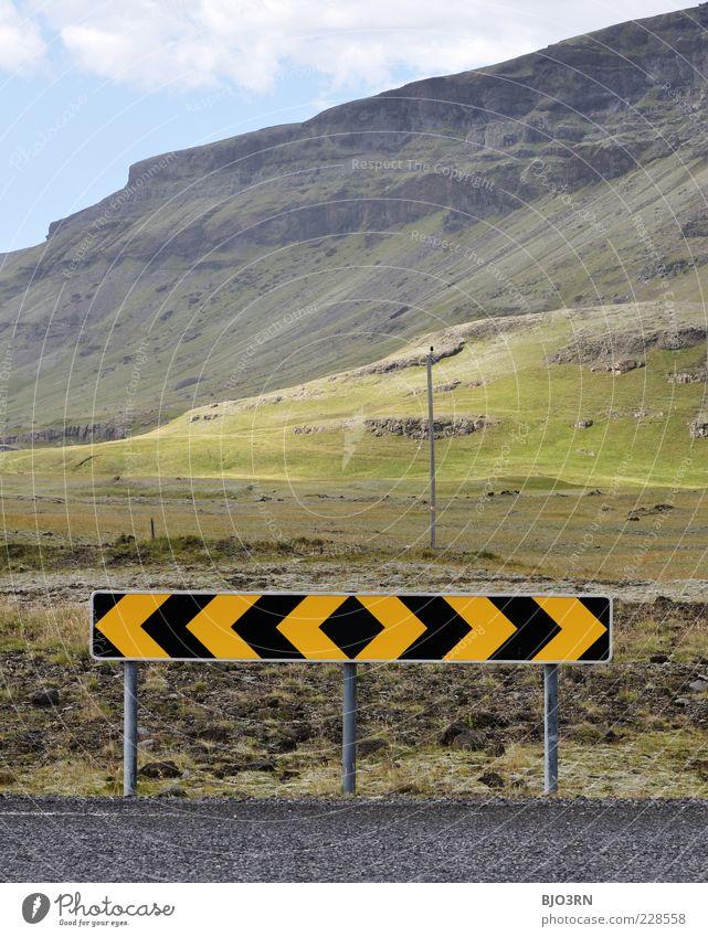 ? <<<<->>>> ? blau grün Sommer Wolken Einsamkeit schwarz Ferne gelb Wiese Landschaft Berge u. Gebirge Stein Felsen hoch Insel Asphalt