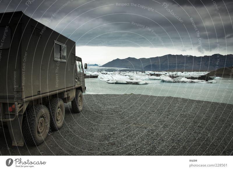 Sie kommen ... Natur Wasser Ferien & Urlaub & Reisen Strand Wolken Einsamkeit dunkel Umwelt Landschaft Berge u. Gebirge Stimmung See Wellen Eis Abenteuer Klima