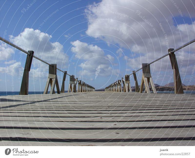 perspectiva de puente Un llana