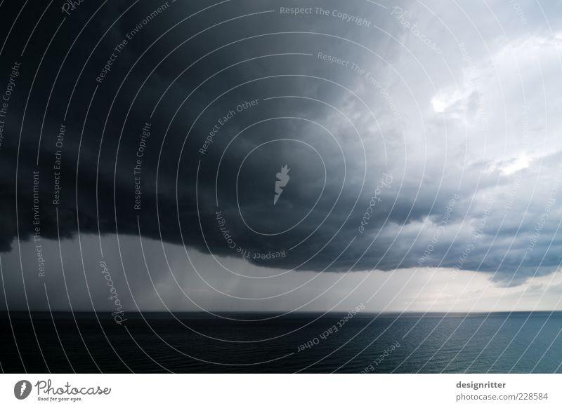 Botschaft Ferne Urelemente Himmel Wolken Gewitterwolken Horizont Klima Klimawandel Wetter schlechtes Wetter Unwetter Wind Sturm Regen Hagel Nordsee Meer dunkel