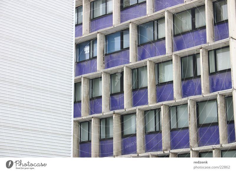 Blaumoderne Gebäude Plattenbau Stahl Fenster Gegenteil Architektur blau