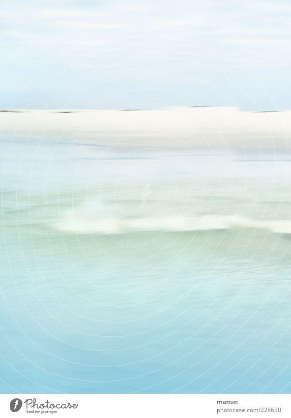 die Welle Strand Natur Landschaft Wellen Küste Meer außergewöhnlich hell Amrum Farbfoto Außenaufnahme Tag hell-blau abstrakt Menschenleer Wasser