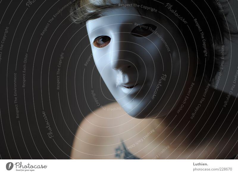 Maskerade Frau Mensch blau weiß schön Erwachsene feminin dunkel grau Haut ästhetisch außergewöhnlich Maske gruselig Karneval skurril