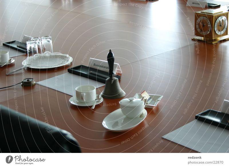 Wichtigster Sessel Kaffee Stuhl Tisch Sitzung Platz Holz Macht Bundeskanzler Bundeskanzler Amt Minister Deutschland Sitzgelegenheit schröder merkel Kabinett