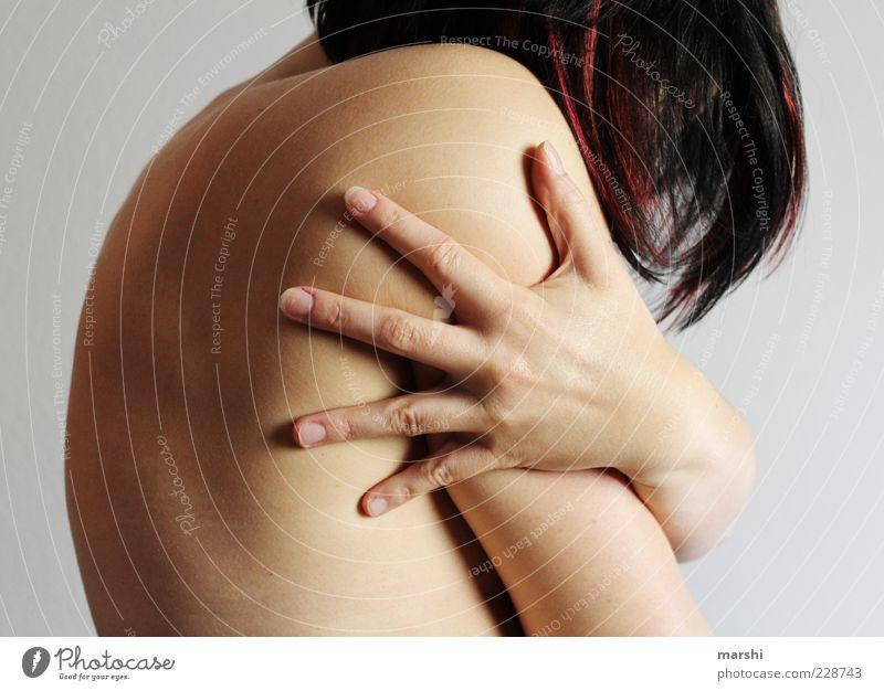 halt dich an mir fest! Frau Mensch Jugendliche Hand Einsamkeit feminin Erwachsene nackt Haare & Frisuren Körper Angst Rücken Haut festhalten Schutz berühren