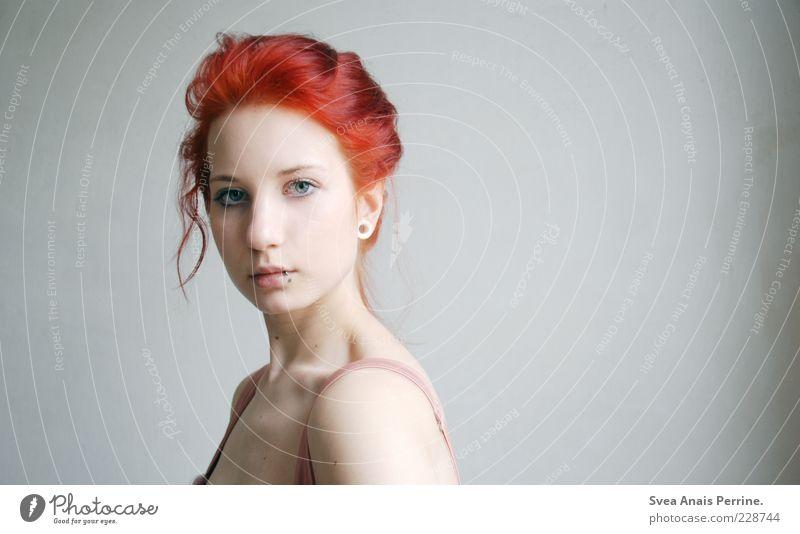 red. Mensch Jugendliche schön rot feminin Gefühle Erwachsene Kopf Haare & Frisuren Stil elegant Coolness außergewöhnlich einzigartig dünn