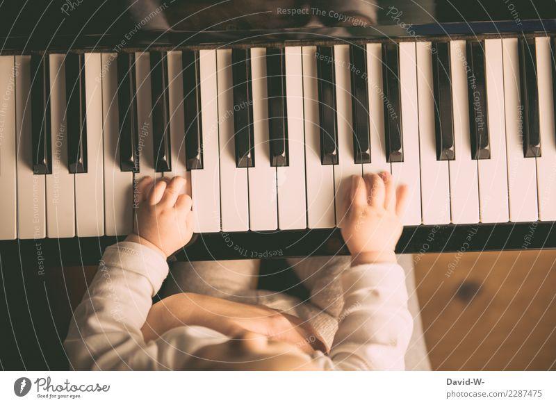 der richtige Fingersatz Kindererziehung Bildung Mensch Baby Kleinkind Mädchen Junge Eltern Erwachsene Mutter Kindheit Leben 2 1-3 Jahre Künstler Jugendkultur