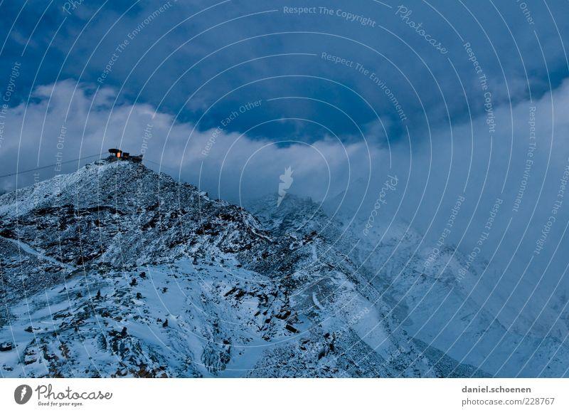 der Winter ist noch nicht vorbei !! Natur blau Wolken kalt Schnee Umwelt Landschaft Berge u. Gebirge Wetter Beleuchtung Klima Alpen Schweiz Gipfel Sturm
