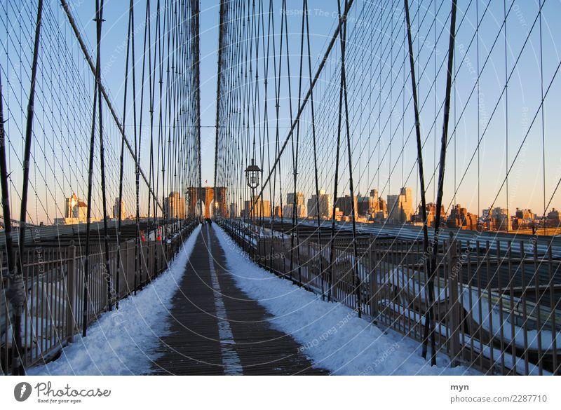 Brooklyn Bridge Ferien & Urlaub & Reisen Stadt Haus Straße Architektur Wege & Pfade Gebäude Tourismus gehen Verkehr Perspektive USA Brücke Sehenswürdigkeit