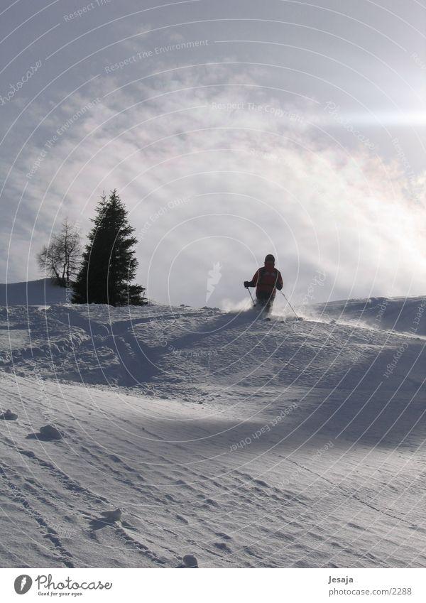 Pulverabfahrt Pulverschnee Skifahren Sonnenaufgang Zell am Ziller Tiefschnee Sport skiabfahrt