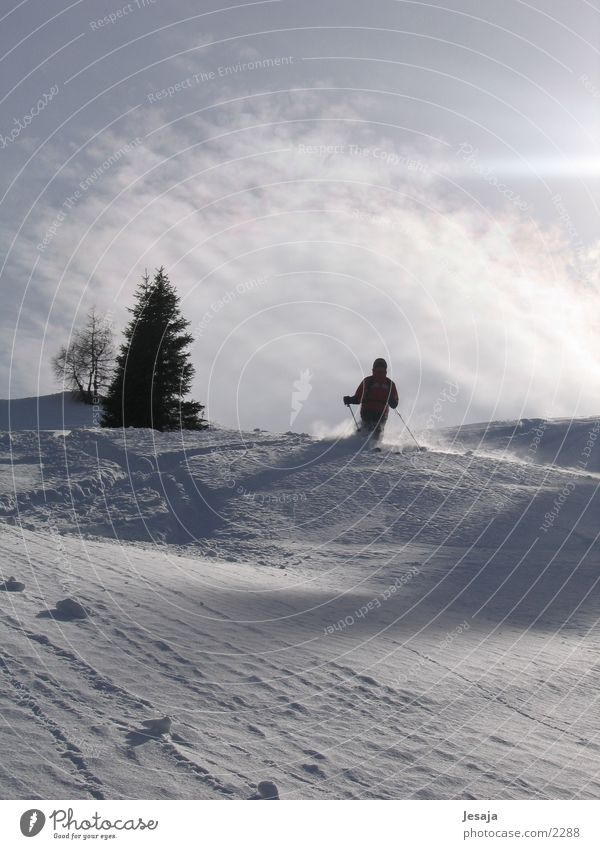 Pulverabfahrt Sport Skifahren Tiefschnee Pulverschnee Zell am Ziller