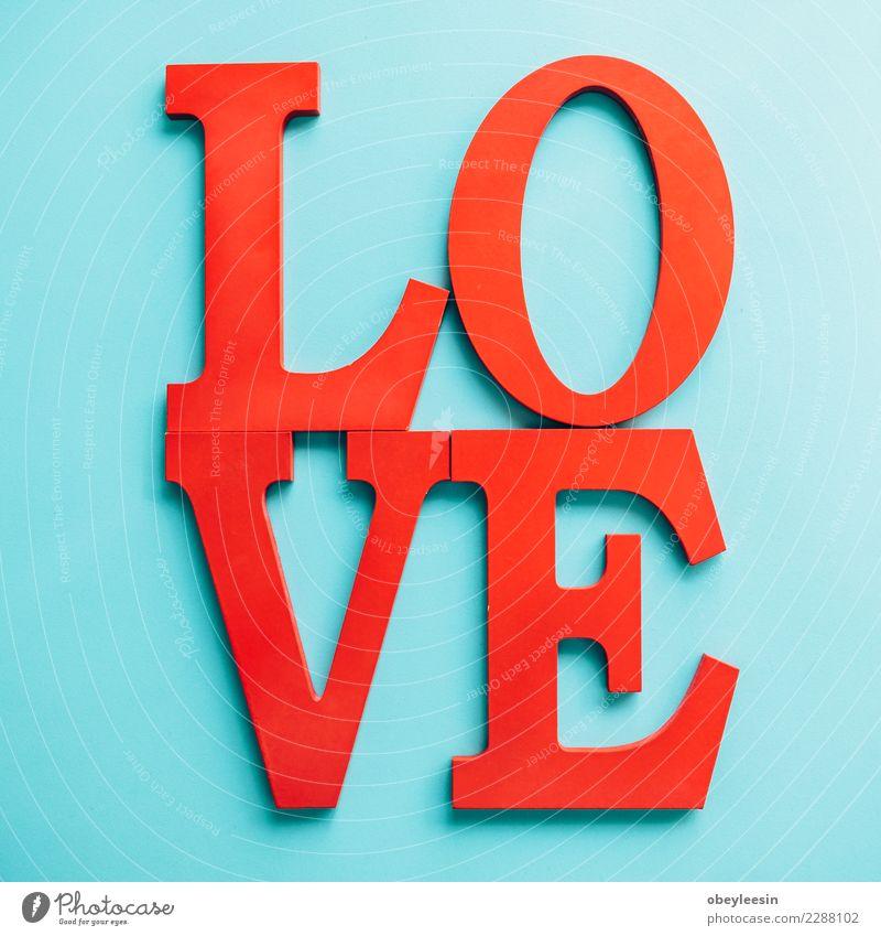 Liebesbrief in Holz zum Valentinstag, Leben Mensch Frau Erwachsene Mutter Großmutter Hand Herz alt Zusammensein rot schwarz Leidenschaft Mitgefühl Versicherung