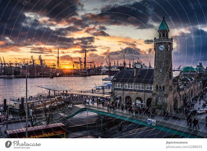 Hamburg Hafen Landungsbrücken Sonnenuntergang bewölkt Europa Deutschland Elbe Stadt Wasser Kanal Industrie Wolken Himmel traumhaft schön dramatisch nass
