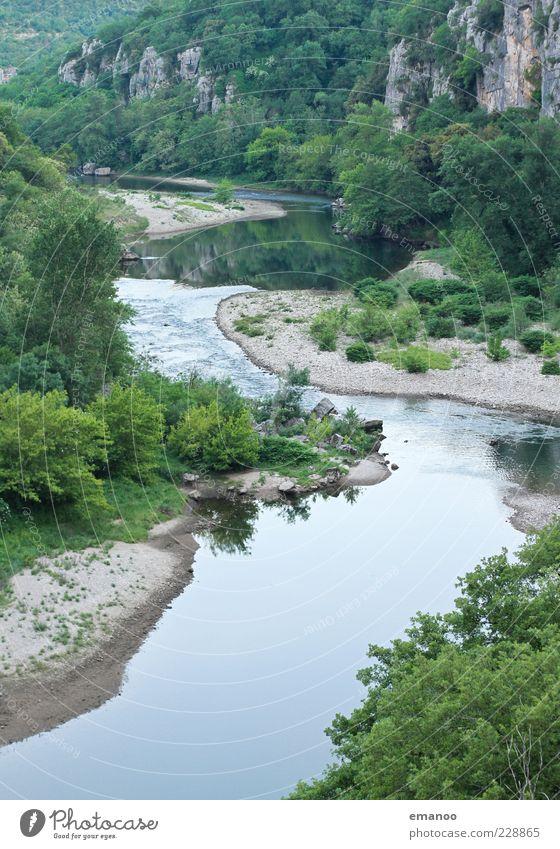 chassezac Freiheit Sommer Berge u. Gebirge Natur Landschaft Pflanze Wasser Baum Wald Felsen Schlucht Flussufer Bach nass grün Idylle Flußbett Kurve