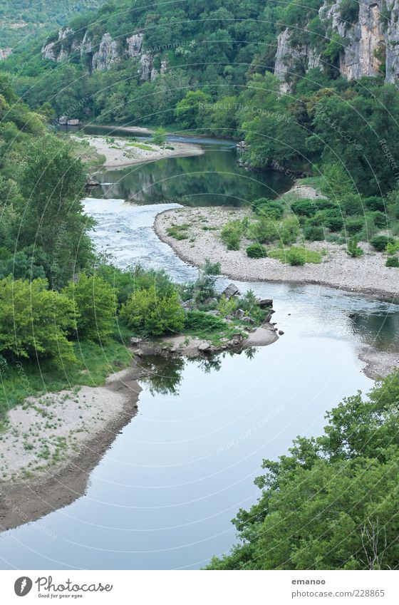 chassezac Natur Wasser grün Baum Pflanze Sommer Wald Freiheit Landschaft Berge u. Gebirge nass Felsen Sträucher Fluss Idylle Flussufer