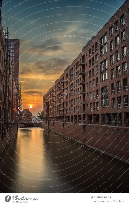 Hamburg Hafen Speicherstadt Sonnenuntergang Himmel Ferien & Urlaub & Reisen Sommer Stadt schön Wasser Wolken Wärme Architektur Deutschland