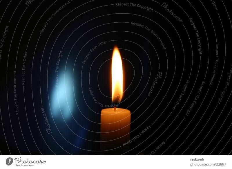 Kerze mit blauem Schatten II Lampe Stil orange Häusliches Leben Flamme Wachs Kerzendocht Flackern