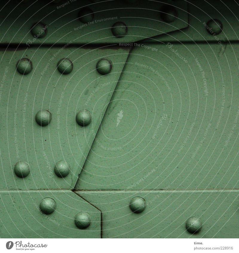 HH10.2   Sweet Little Sixteen grün dunkel kalt Linie fest diagonal Verbindung Eisen Konstruktion eckig Genauigkeit massiv Niete lackiert 15 Stahlträger