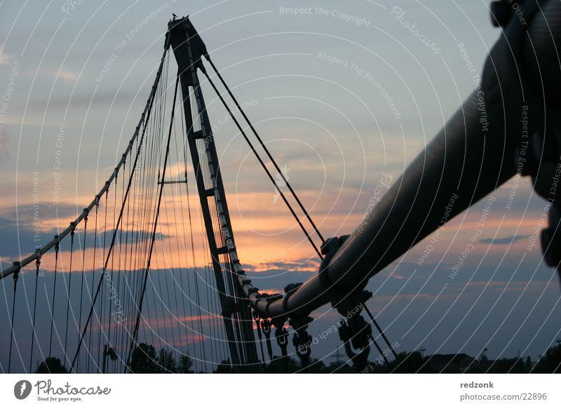 Brücke Himmel Metall Kabel Stahl Fußgänger streben Übergang Magdeburg