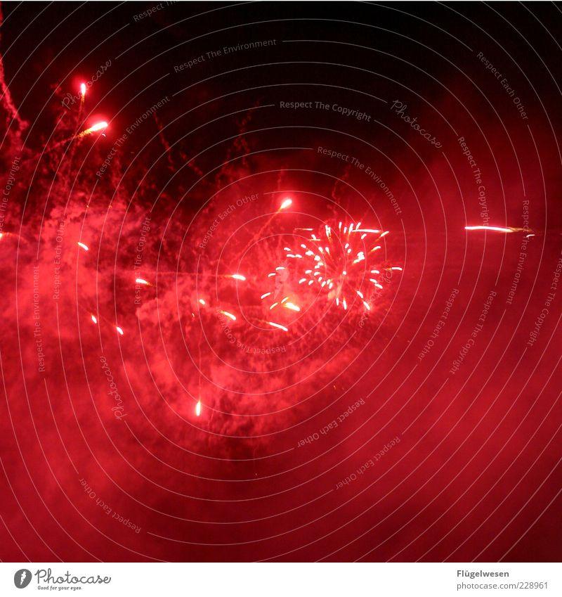 Pyrotechnik ist (k)ein Verbrechen! Himmel schön hell Feste & Feiern Nebel Silvester u. Neujahr Rauch Feuerwerk erleuchten Nachthimmel Leuchtspur Nachtaufnahme