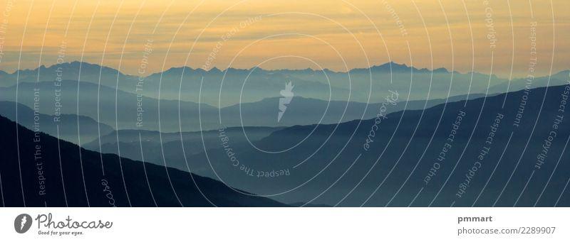 Nebel der Berge morgens Himmel Natur Ferien & Urlaub & Reisen blau Sommer schön grün Landschaft Sonne Baum Erholung Wolken ruhig Wald Berge u. Gebirge Umwelt