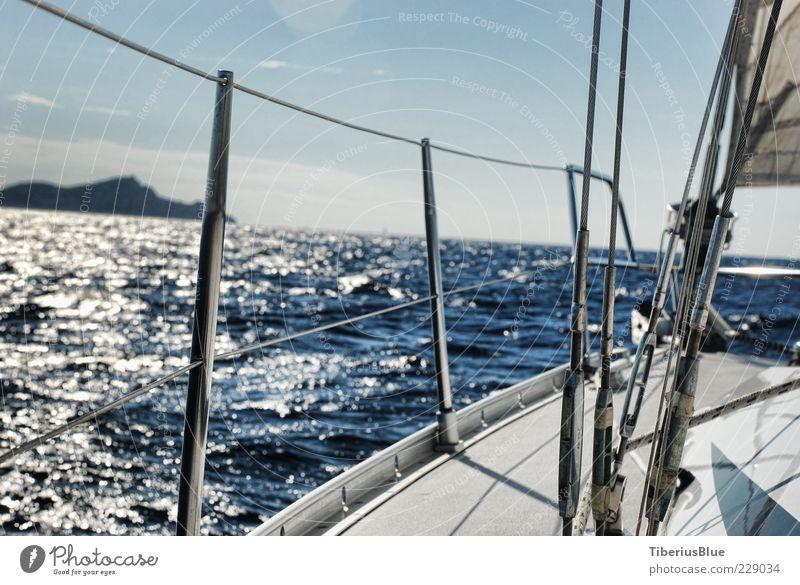 Land Voraus Abenteuer Freiheit Sommer Sonne Meer Wellen Segeln Landschaft Wasser Himmel Horizont Sonnenlicht Schönes Wetter Mittelmeer Insel Jacht Segelboot
