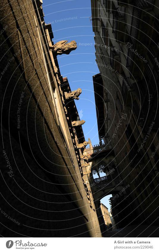 Barri Gothic 2 - Barcelona Katalonien Spanien Altstadt Brücke Bauwerk Gebäude Architektur Mauer Wand Fassade Sehenswürdigkeit Bari Gothic Stein alt elegant