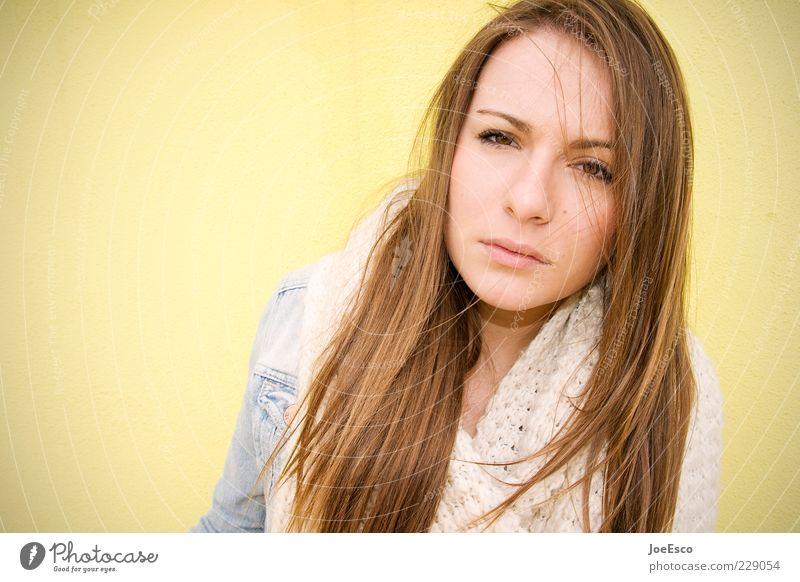 229054 Stil Frau Erwachsene Leben Gesicht 1 Mensch 18-30 Jahre Jugendliche Schal brünett langhaarig beobachten Denken Traurigkeit Coolness trendy natürlich