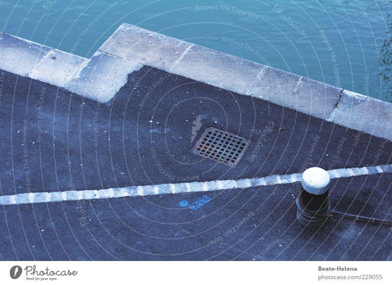 An der blauen Donau grün Wasser kalt Umwelt Küste Stein frisch elegant Textfreiraum ästhetisch authentisch nass Fluss Hafen Asphalt