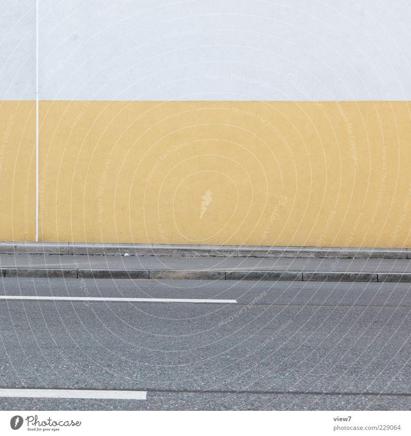 yellow strip :: Einsamkeit Haus gelb Straße Wand Mauer Stein Linie Fassade Beton Design frisch modern ästhetisch authentisch trist