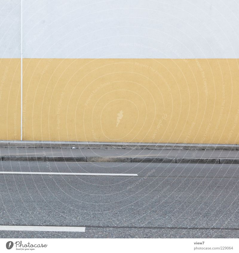 yellow strip :: Haus Mauer Wand Fassade Straße Stein Beton Linie Streifen ästhetisch authentisch einfach Freundlichkeit frisch modern positiv trist gelb Design