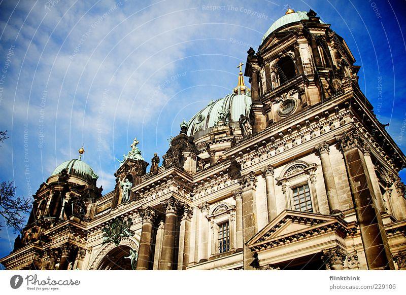 Berliner Dom Himmel Ferien & Urlaub & Reisen Architektur Gebäude Ausflug Tourismus Kirche Bauwerk Vergangenheit Wahrzeichen Sightseeing Sehenswürdigkeit