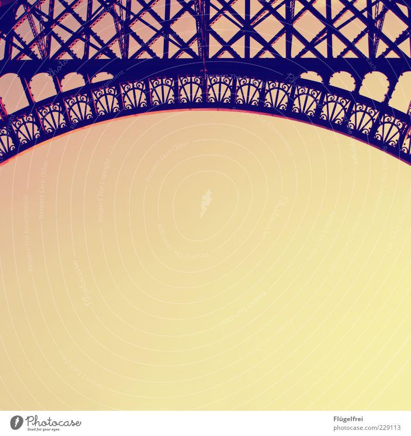 |( Tour d'Eiffel elegant Sehenswürdigkeit altehrwürdig Ornament Stahl Bogen Romantik Jugendstil Himmel Wolkenloser Himmel Frankreich Paris Dämmerung