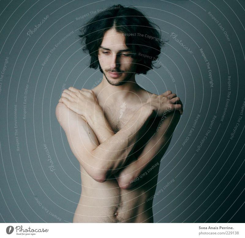 schnellkochtopf. Mensch Jugendliche schön Erwachsene kalt Gefühle nackt Haare & Frisuren Körper Arme Haut maskulin stehen einzigartig dünn