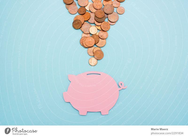 Sparen. Rosa Sparschwein mit vielen Cent-Münzen Geld sparen Kapitalwirtschaft Geldinstitut Geldmünzen einfach frei positiv blau rosa Tugend Sicherheit sparsam