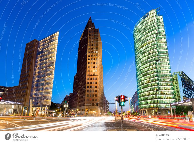 Potsdamer Platz, Berlin Ferien & Urlaub & Reisen Stadt Haus Straße Architektur Gebäude Tourismus Deutschland Fassade Verkehr Hochhaus Turm Sehenswürdigkeit